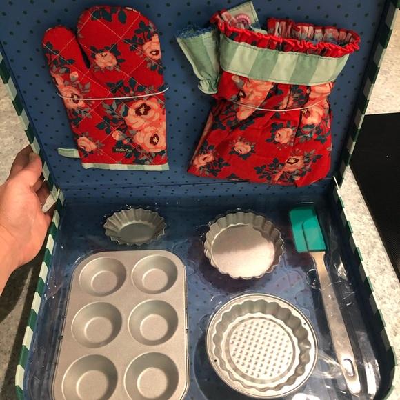 Matilda Jane baking set